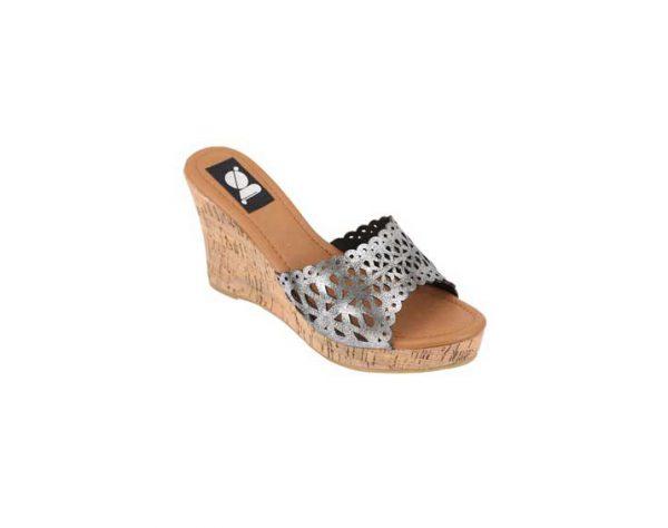 Black-Platform-Heigh-Heeled-Slip